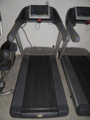 fitnessger te technogym laufband excite 700 gebraucht sportartikel onlineshop. Black Bedroom Furniture Sets. Home Design Ideas